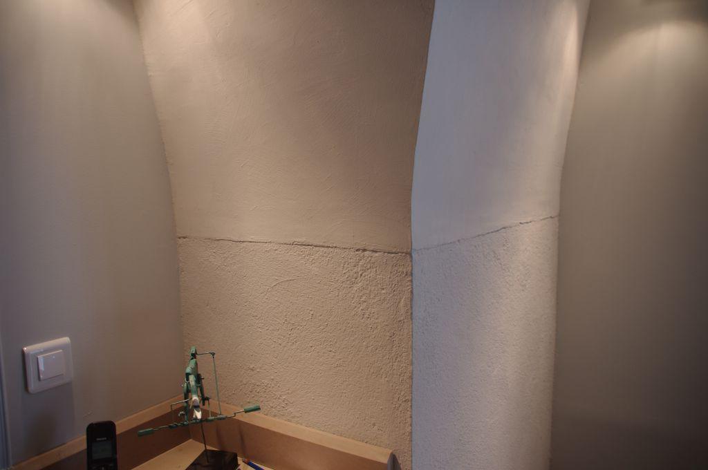 Enduit la chaux foggia r alisation gard vaucluse en - Peinture a la chaux au rouleau ...